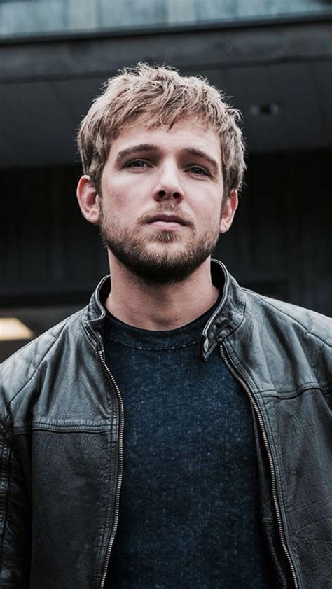 Max Thieriot   Max theriot