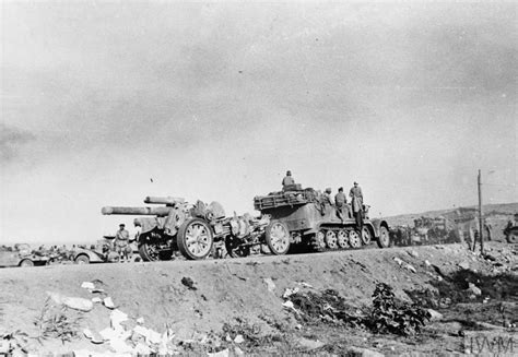 THE FIRST BATTLE OF EL ALAMEIN, JULY 1942 (MH 5869)
