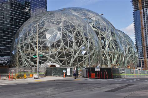 File:Amazon Spheres from 6th Avenue, March 2017