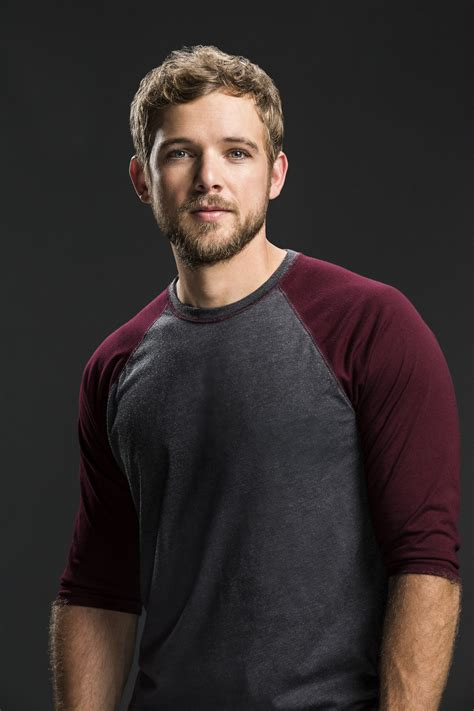 Max Thieriot, SEAL Team   TV in 2019   Max thieriot, Max