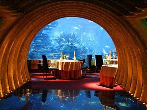 What it's like to dine at Dubai's incredibly luxurious