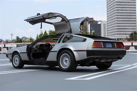 4,400-Mile 1983 DeLorean DMC-12 on Auction Is $25,000 with