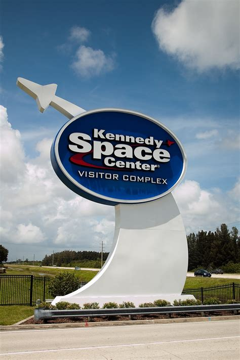 Kennedy Space Center Visitor Complex - Wikipedia