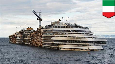 Costa Concordia refloating: the doomed ship is towed away