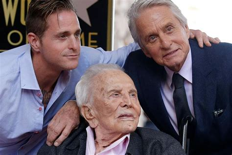 Actor Kirk Douglas, 102, is savvy with social media