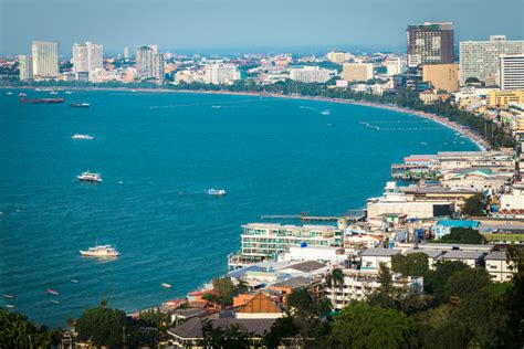 A Tryst with Plummeting Parasail in Pattaya - Sterling