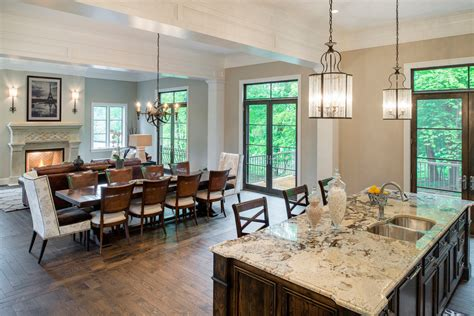 7 Home Staging Tricks Designers Use for a Quick House Sale