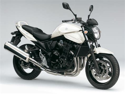 2013 Suzuki Bandit 650 Review - Top Speed