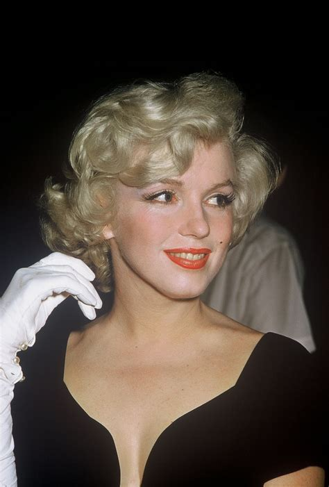 """Lot Detail - Marilyn Monroe """"Some Like It Hot"""" Candid"""
